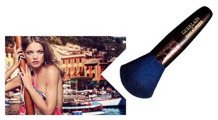 Guerlain Terra Azzurra by Emilio Pucci, Colección Maquillaje Verano 2012 en edición limitada. ¿Gloss azul índigo?