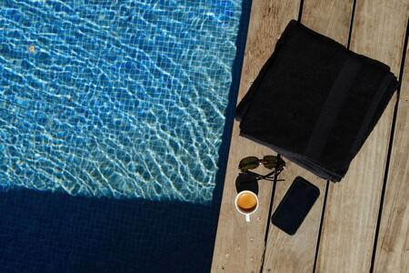Las toallas de Calvin Klein, Tommy Hilfiger, Adidas y más para disfrutar de la ducha, la piscina y la playa por igual este verano