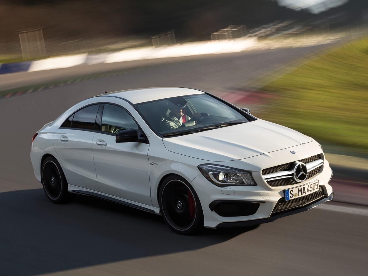 Foto de Mercedes-Benz CLA 45 AMG (10/15)