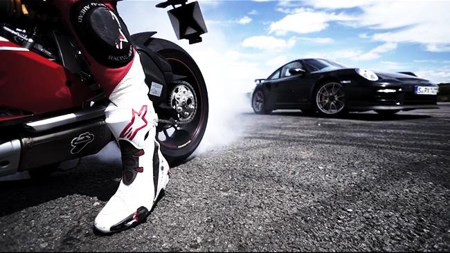 Porsche GT2 RS vs Ducati 1199 Panigale