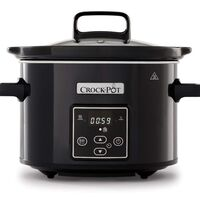 La olla de cocción lenta Crock-Pot CSC061X más pequeña (2,4 litros de capacidad) tiene un precio aun más bajo: 31,99 euros