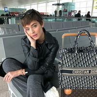 Una plancha  y otros gadgets de belleza mini perfectos para tu maleta estas vacaciones