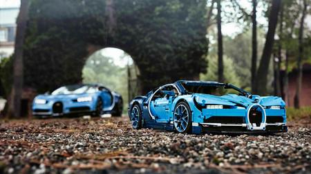¡Alucina! No tendrá 1.500 CV pero el Bugatti Chiron de Lego Technic cobra vida con 3.599 piezas