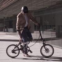 Este kit para convertir tu bicicleta en una ebike cuesta menos de 500 euros y cuenta con una rueda completa con motor incorporado
