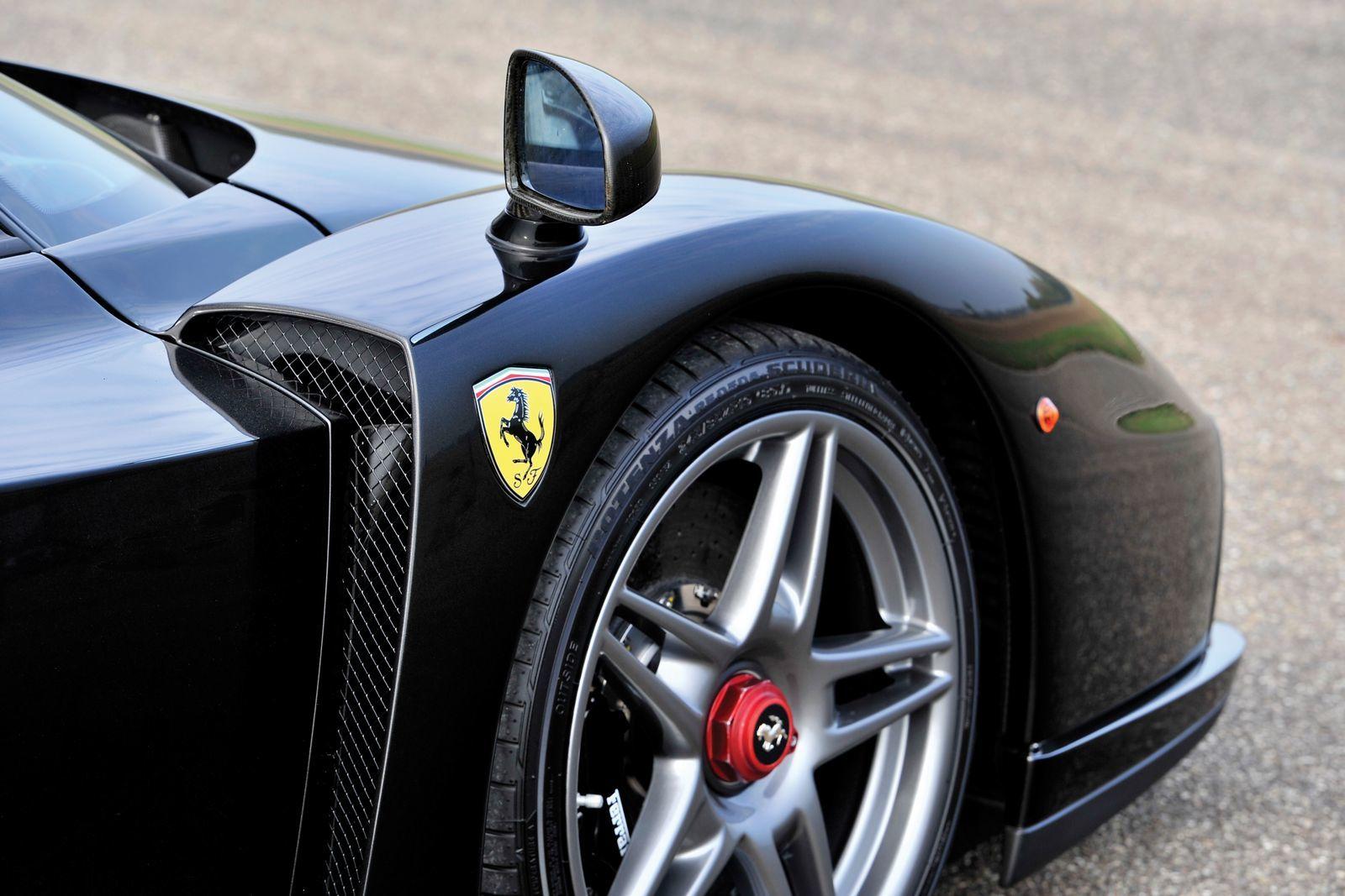 Foto de Ferrari Enzo subasta (23/27)