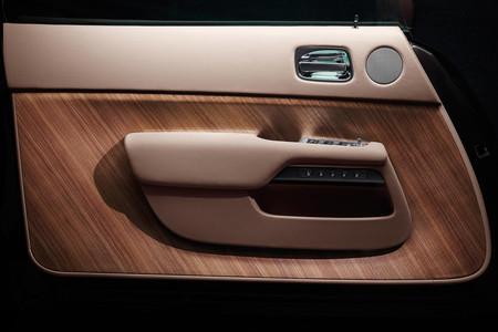 Rolls-Royce Wraith, teaser: puerta