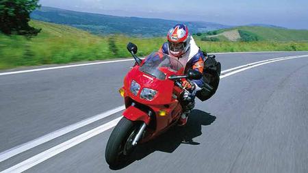 (Otras) cinco grandes motos por menos de 2.000 euros