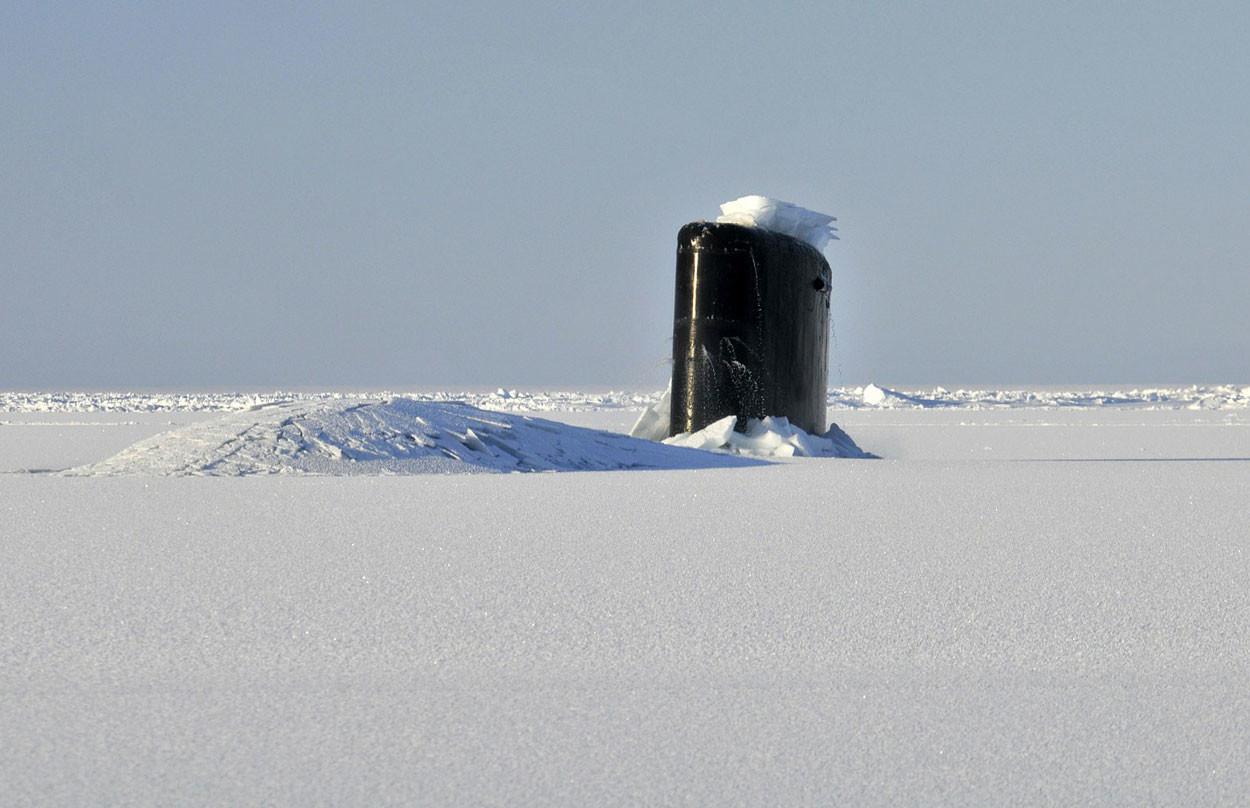 Asi se rompe el hielo en el Ártico con submarinos nucleares
