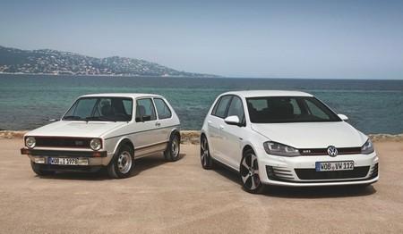 Volkswagen Golf GTI de primera generación y de séptima generación