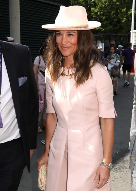 Pippa Middleton acude a Wimbledon con un total look en rosa (y de estilo ladylike)