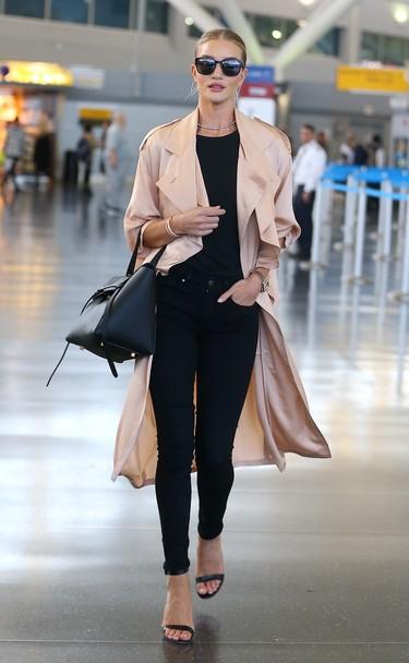 Ellas son las reinas del estilo durante los viajes, si vas a coger un avión toma nota de sus trucos