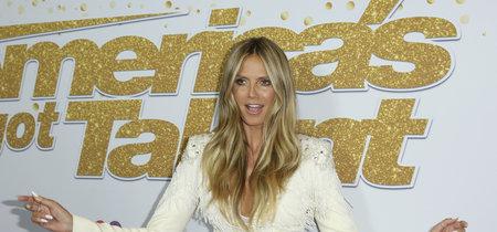 Heidi Klum presenta la nueva temporada de 'America's Got Talent' enfundada en blanco. ¿No es el color que mejor le sienta?