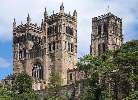 800px Durham Kathedrale Nahaufnahme