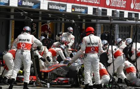 Jenson Button en una parada para la historia