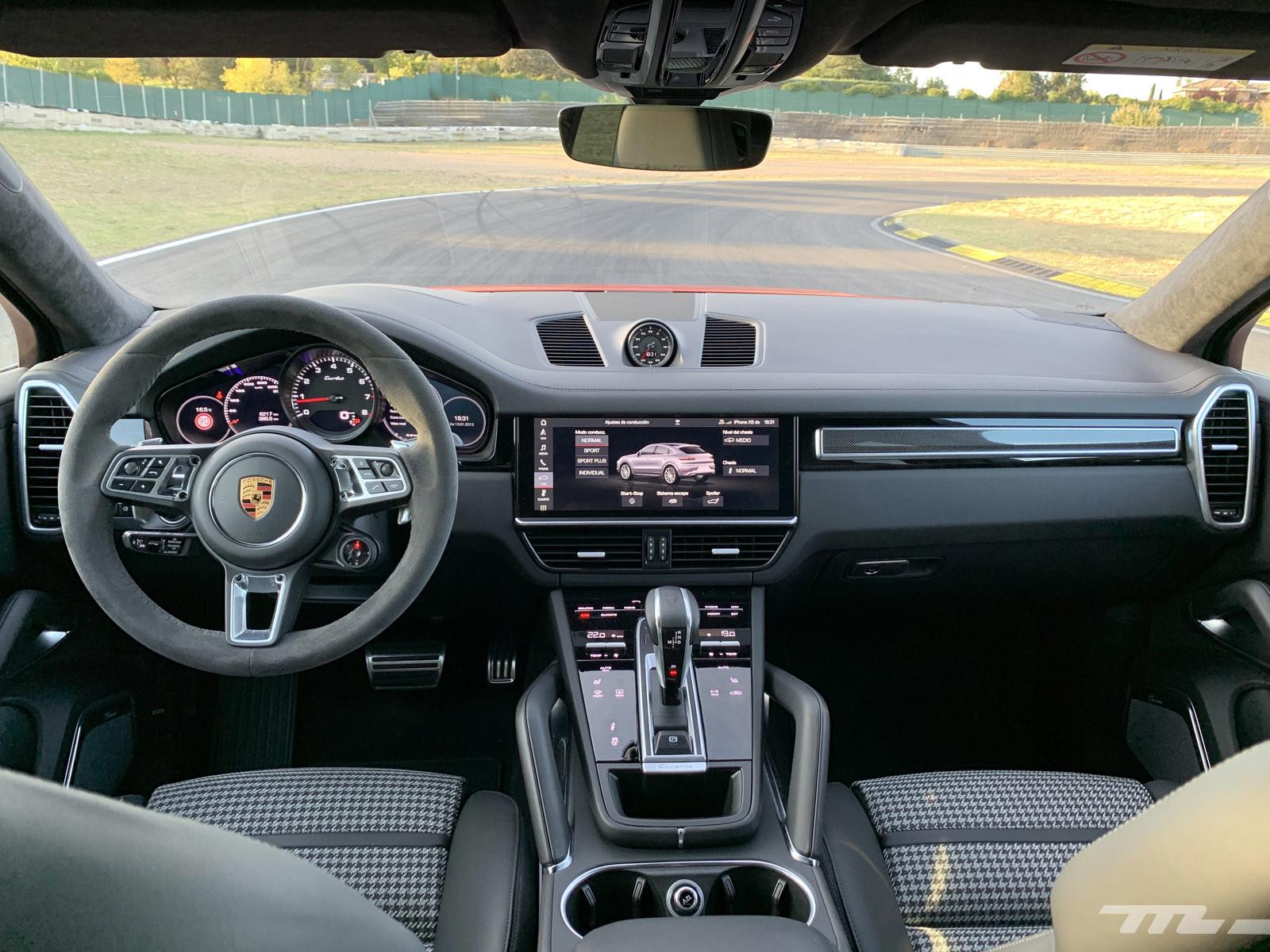Foto de Porsche Cayenne Coupé Turbo (prueba) (28/42)