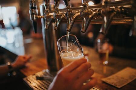 Los amantes de la cerveza están de suerte: Amazon tiene rebajado su kit de elaboración artesanal más vendido para hacerla en casa
