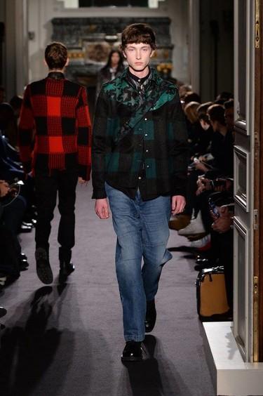 Valentino busca ese hombre aventurero con estilo en el próximo Otoño-Invierno