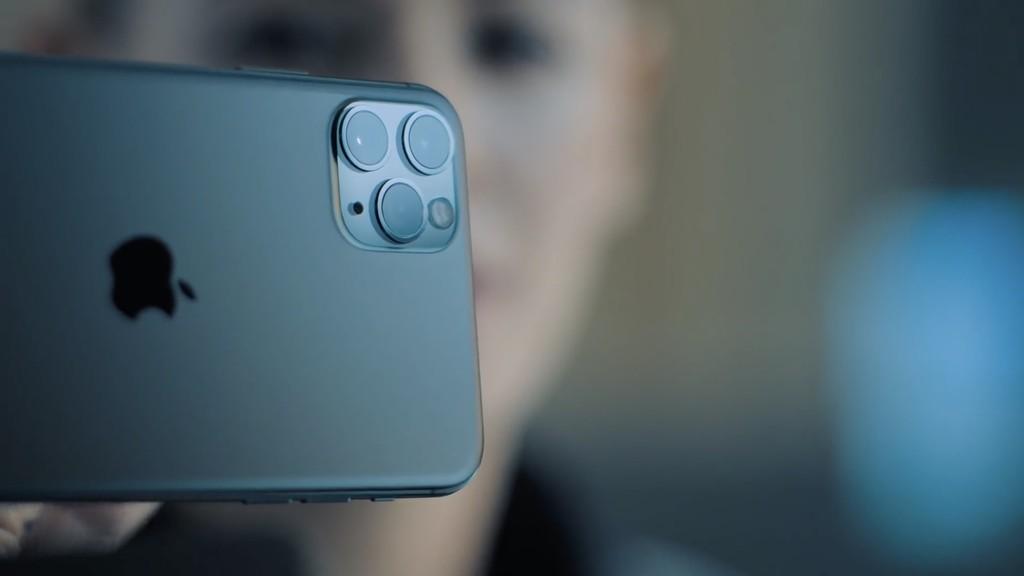Los <strong>iPhone℗</strong> de 2018 además podrán grabar en «multicámara» con iOS℗ 13, pese-a-que con limitaciones»>     </p> <p>Una de las grandes estrellas de la keynote de la semana pasada fueron las cámaras de la nueva generación de iPhone. <strong>Apple℗</strong> sacó pecho al afirmar que los <strong>iPhone℗</strong> eran los exclusivos aparatos con un ecosistema de más de 30.000 aplicaciones fotográficas. Entre ellas, <a href=