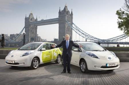 Reino Unido quiere renovar sus flotas oficiales con coches eléctricos, y suena que Tesla podría participar
