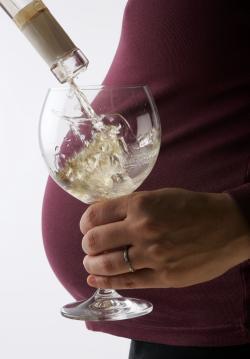 El alcohol en el embarazo puede causar problemas mentales en el niño