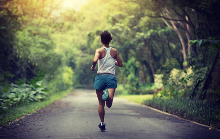 Lo que hay que saber para evitar problemas digestivos al salir a correr