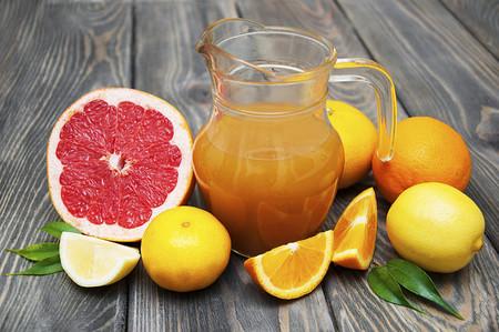 Si quieres perder peso evita los zumos de frutas y escoge la pieza de fruta fresca