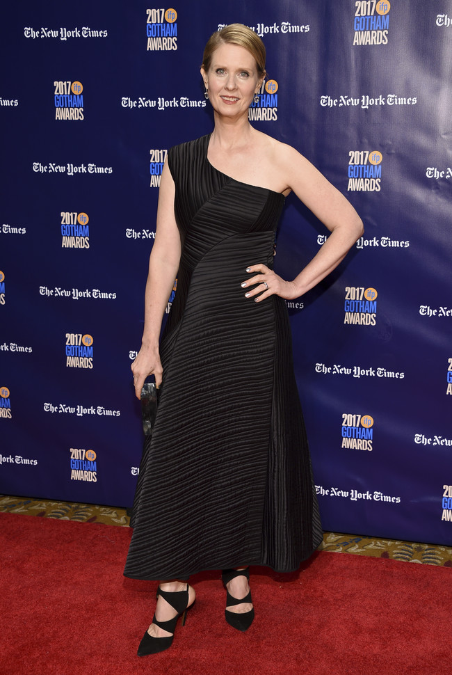 premios gotham look alfombra roja Cynthia Nixon