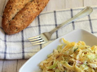 Fetuccini con calabacines y tomates secos. Receta de pasta