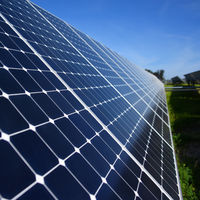 Los paneles solares orgánicos se lo ponen muy difícil a los convencionales: son más baratos, flexibles y cada vez más eficientes