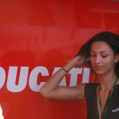 Foto 20 de 35 de la galería las-pit-babes-de-estoril-en-una-ducati-1098 en Motorpasion Moto