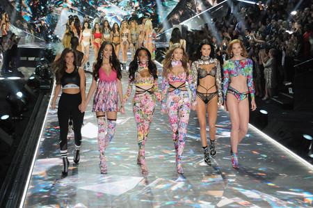 Claves de maquillaje y peluquería del desfile de Victoria's Secret