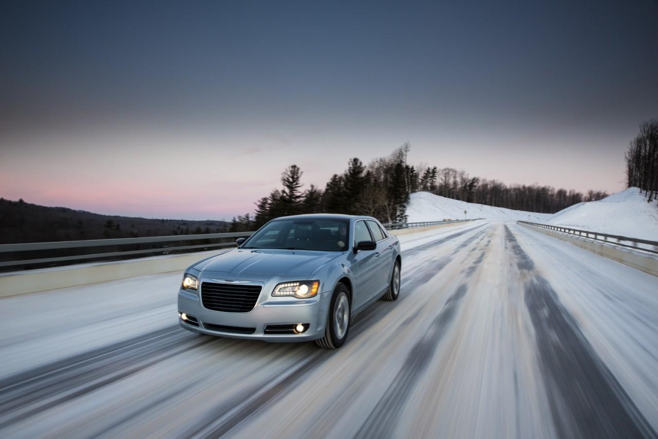 Foto de 2013 Chrysler 300 Glacier (27/27)
