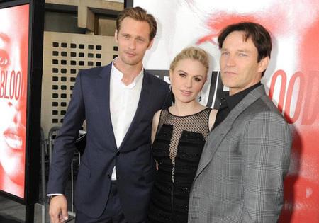 Vampiros, hombres lobo, seres sobrenaturales... ¡toma premiere de 'True Blood'!