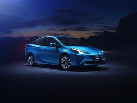 Así es el Toyota Prius 2019 presentado en Los Ángeles, con versión de tracción a las cuatro ruedas incluida