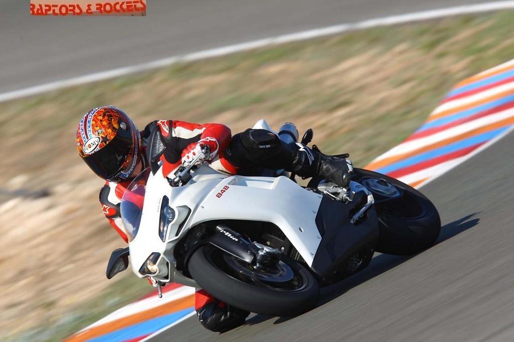 Foto de Presentación Ducati 848 (12/12)