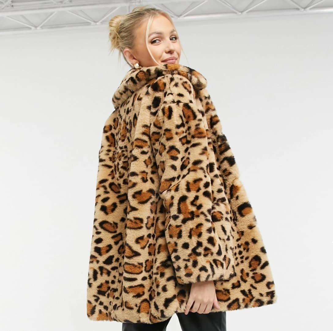 Chaqueta con estampado de leopardo de piel sintética de Topshop