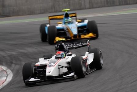 Romain Grosjean logra el doblete en el debut de la GP2 Asia Series