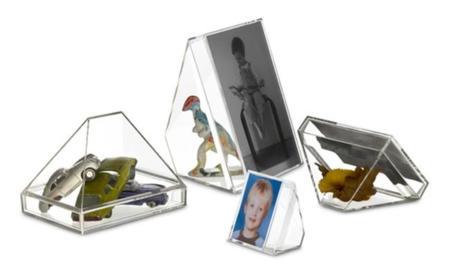 Los mini contenedores transparentes de Sebastian Bergne