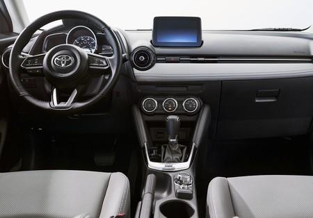Toyota Yaris Hatchback Us Version 2020 1600 06