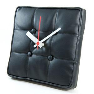 Reloj de pared inspirado en la Silla Barcelona