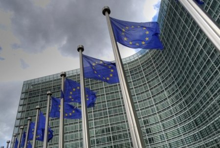 La UE descarta exigir una velocidad mínima de banda ancha entre las obligaciones del servicio universal