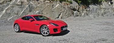 Probamos el Jaguar F-Type 2.0, porque cuatro cilindros y 300 CV no tienen por qué ser una herejía