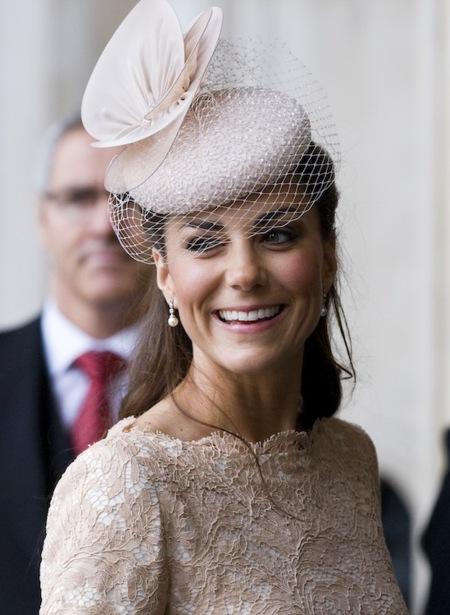 Los looks de Kate Middleton en el jubileo de la Reina Isabel II