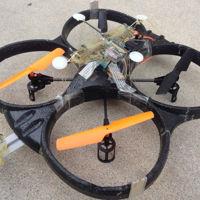 Este dron se pega a techos y paredes como si de un insecto se tratara