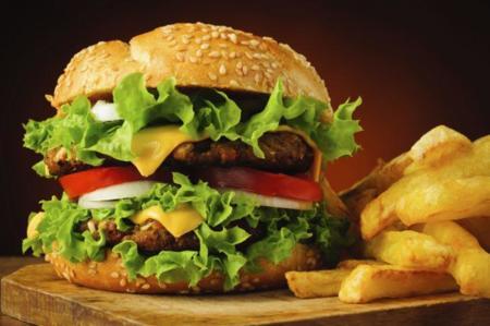 La nueva hamburguesa que quema calorías en lugar de aportarlas