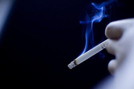 Fumar en el embarazo podría causar estrabismo en el bebé