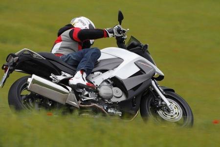Honda Crossrunner en acción 6