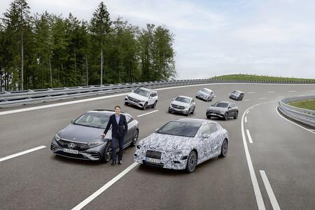 Mercedes-Benz ofrecerá una versión eléctrica de toda su gama a partir de 2025