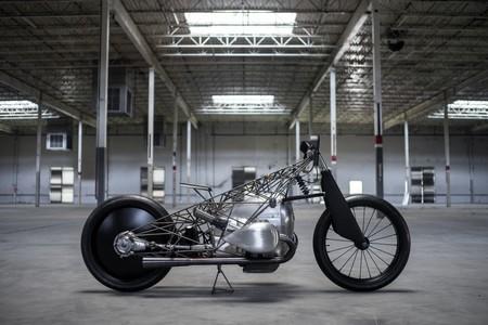 BMW muestra por segunda vez su motor bóxer de 1.800 cc en la Birdcage, una moto fabricada con titanio