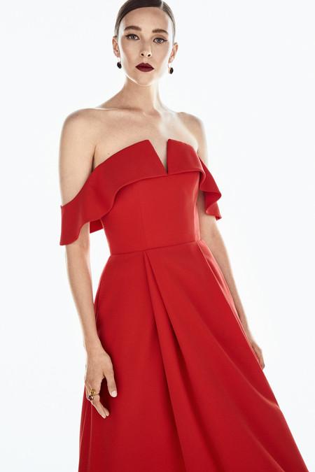 Si quieres ser una invitada de alfombra roja, en la colección Red Carpet de Pedro del Hierro encontrarás la solución